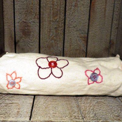 Trousse brodée fleurs